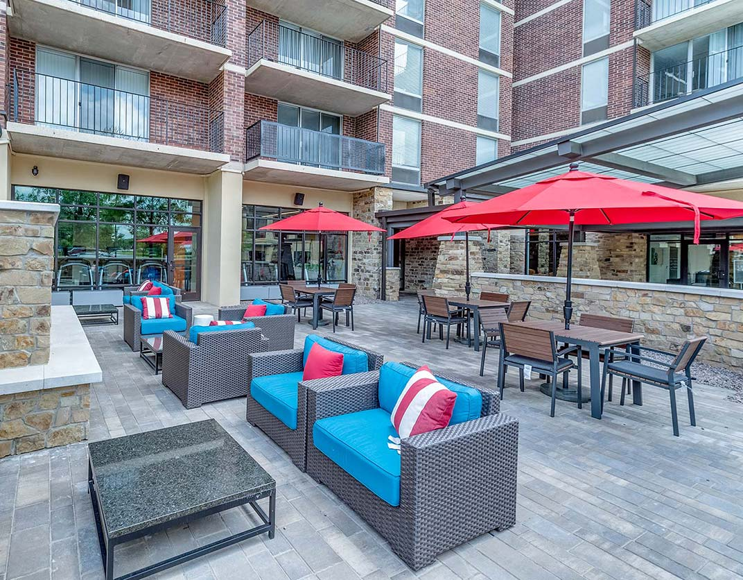 Yorktown Apartment Homes – Lombard, IL – Patio Area