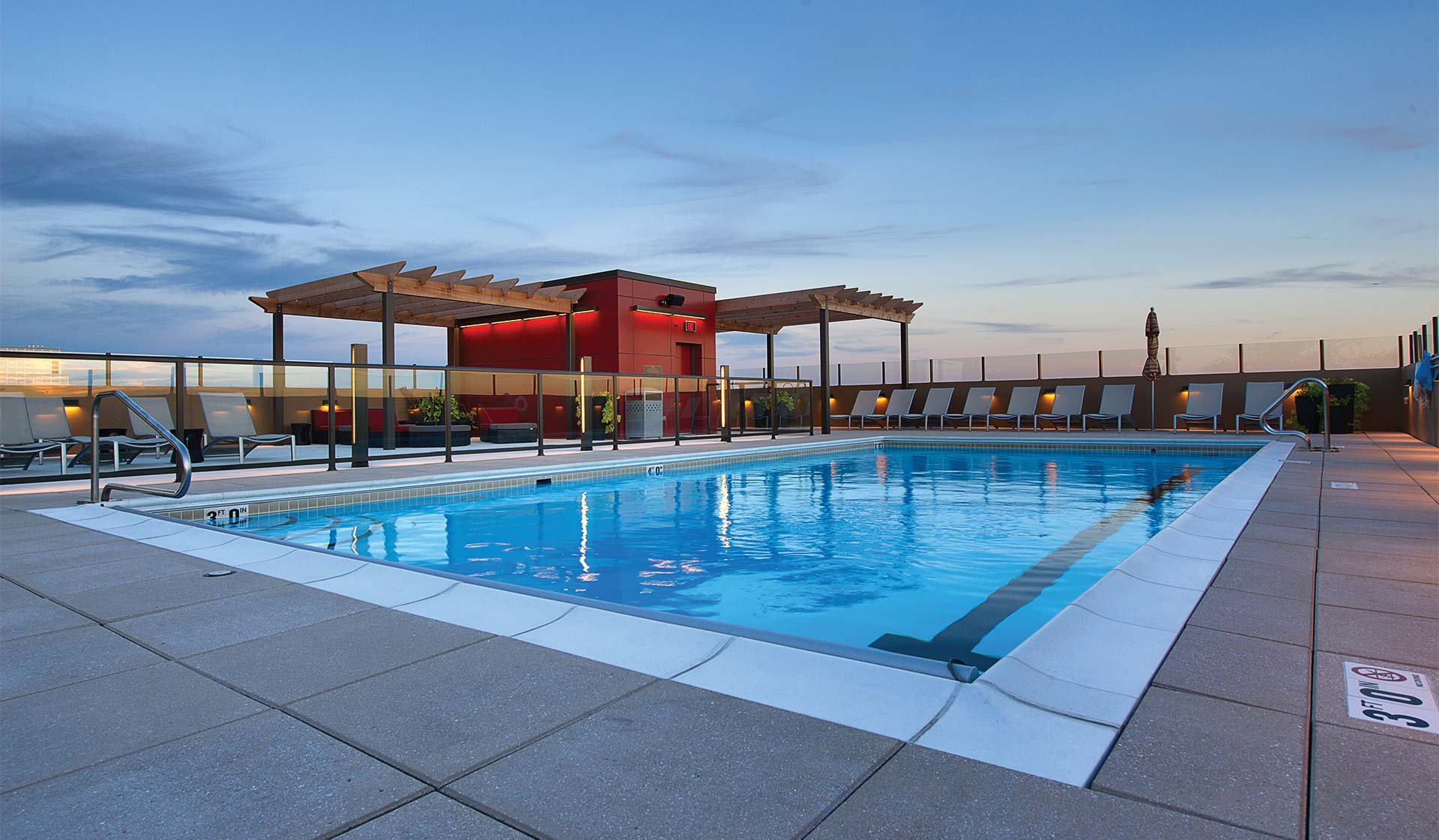 Yorktown Apartment Homes – Lombard, IL – Pool