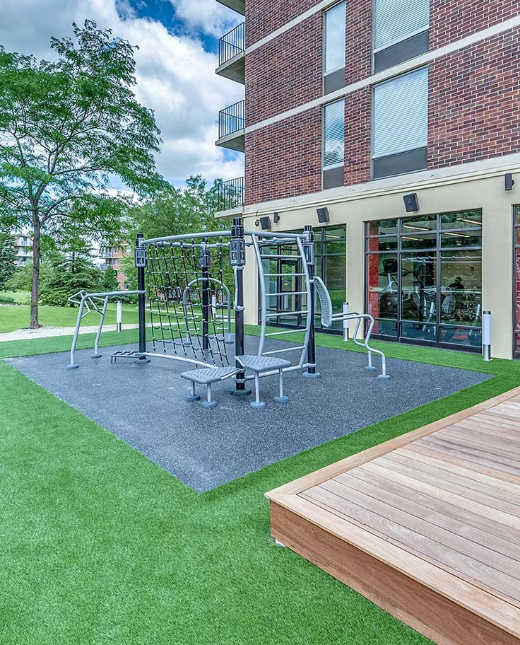 Yorktown Apartment Homes – Lombard, IL – Outdoor Gym